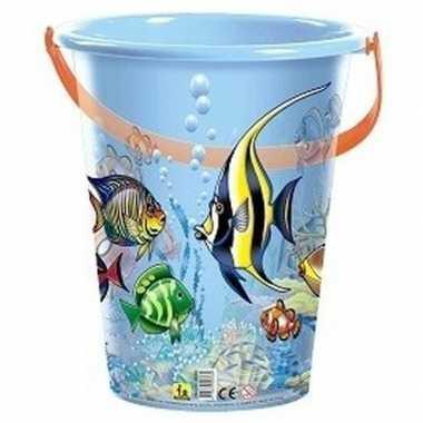 Blauwe speelgoed strandemmer vissen