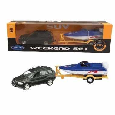Bmw x5 met boot op aanhanger speelgoed modelauto 1:60