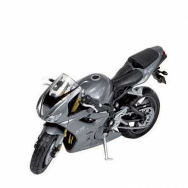 Model speelgoed motor triumph 675 1:18