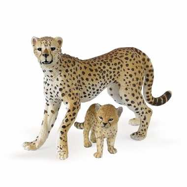 Plastic speelgoed figuur jachtluipaard met welpje 10 cm