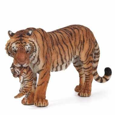 Plastic speelgoed figuur tijgerin met welpje 14,5 cm