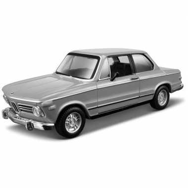Speelgoed auto bmw 2002tii 1:32