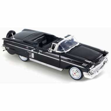 Speelgoed auto chevrolet impala cabriolet 1:24