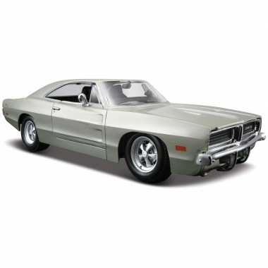 Speelgoed auto dodge charger r/t 1:24