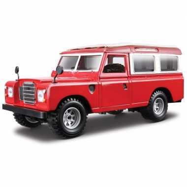 Speelgoed auto land rover defender 110 1:24