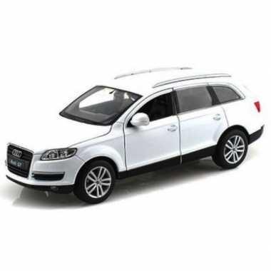 Speelgoed auto witte audi q7 1:43