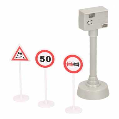 Speelgoed flitspaal met 3 verkeersborden