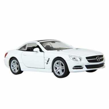 Speelgoed witte mercedes-benz sl500 12 dichte cabrio 1:36
