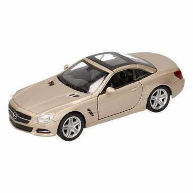 Speelgoed zilveren mercedes sl500 12 dichte cabrio 1:36