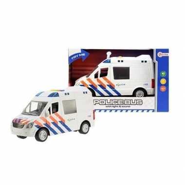 Speelgoedauto politiewagen afmetingen 17 x 28 x 12 cm
