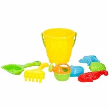 Strand/zandbak speelgoed gele emmer met vormpjes en schepjes