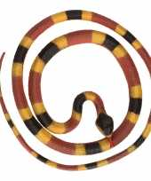 Grote rubberen speelgoed python slangen bruin geel 137 cm