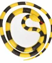 Grote rubberen speelgoed python slangen geel zwart 137 cm