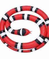 Rubberen speelgoed scharlaken slangen 117 cm